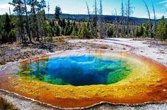 虹色の温泉!?アメリカにあるグランド・プリズマティック・スプリングが綺麗過ぎる! 4枚目の画像