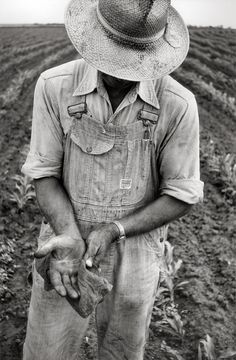 This fall, °CLAIR Galerie offers a contemplative presentation of vintage silver gelatin prints by Magnum photographer Erich Hartmann, focused on one o. Erich Hartmann, Signature Stamp, Photographer Portfolio, Our Daily Bread, Magnum Photos, Artsy, Kansas, Workwear, Creative Inspiration