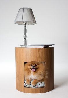 4 mesas laterais com caminha de cachorro