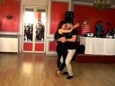 Increiblre pareja bailando bachata *--* - YouTube