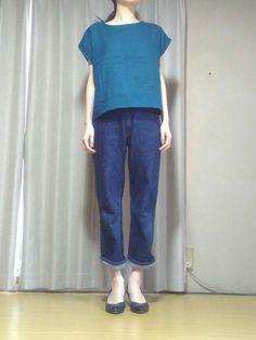 直線ブラウスの作り方です。 あきなし、袖付けなし! 襟ぐり以外直線なので型紙なしでも作れます。 1日から2日で作ることができる、簡単なブラウスです。 シンプルで着回ししやすいです。 ★ワイドパンツと同じ布で作ってセットアップにしてみました。→ 【型紙・...