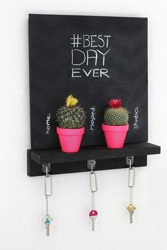MY DIY | Chalkboard Key Holder | I SPY DIY