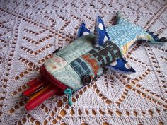 love this shark!  find the tutorial at Patchworkposse.com
