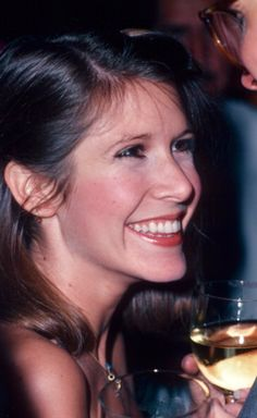 Carrie Fisher, I smile the same way :D Debbie Reynolds Carrie Fisher, Carrie Frances Fisher, Leila Star Wars, Princesa Leia, The Blues Brothers, Han And Leia, Divas, Hollywood, Star Wars Characters