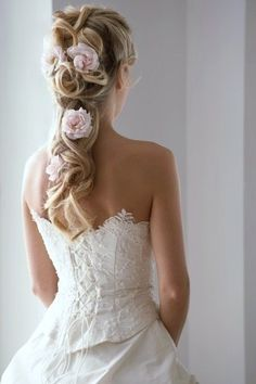 Hairstyles for Thick Hair How romantic!Not for me,but this is gorgeous!!!!!