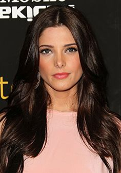 Ashley Greene at event of Skateland NOT Marisa Tomei, but sure looks like her. Marisa could be her mom for sure. Chocolate Brunette Hair, Chocolate Brown, My New Haircut, Brown Hair Colors, Hair Colour, Layered Hair, Long Layered, Tips Belleza, Celebrity Hairstyles
