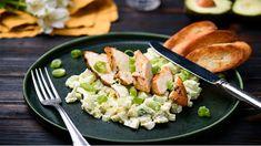 Osviežte si sviatočný jedálniček a namixujte si avokádový šalát s kuracím mäsom podľa Marcela. Lidl, Potato Salad, Salads, Turkey, Potatoes, Chicken, Dinner, Ethnic Recipes, Food