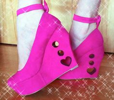 DIY Monster High Draculaura heart cutout wedges : monster high costume shoes  - Germanpascual.Com