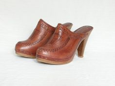 I always wore clogs growing up thanks to being Dutch. Love, love, love all my clogs.