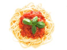 完熟トマト缶で手軽に。基本のイタリアントマトソース