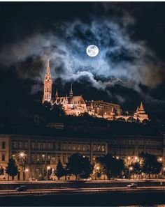 Full Moon over Budapest, Hungary Wonderful Places, Beautiful Places, Capital Of Hungary, Heart Of Europe, Belle Villa, Jolie Photo, Budapest Hungary, Nocturne, Kirchen