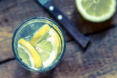 Water can help you lose weight lemon water benefits, honey lemon water Diet Drinks, Diet Snacks, Beverages, Smoothie Diet, Smoothies, Healthy Foods To Eat, Healthy Snacks, Healthy Drinks, Drinking Lemon Water