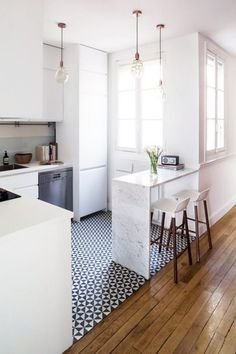 7 Astounding Cool Tips: Kitchen Remodel Ideas Stainless Steel apartment kitchen remodel renovation.Country Kitchen Remodel Hoods small kitchen remodel one wall. Small Apartment Kitchen, Home Kitchens, Kitchen Remodel Small, Kitchen Design, Kitchen Flooring, Modern Kitchen, New Kitchen, Kitchen Interior, Apartment Kitchen