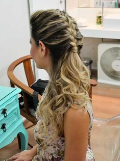 Read Capítulo 15 from the story Verdade ou Desafio? Low Lights Hair, Light Hair, Girl Hairstyles, Braided Hairstyles, Wedding Hairstyles, Wedding Hair And Makeup, Hair Makeup, Casual Curls, Cheer Hair