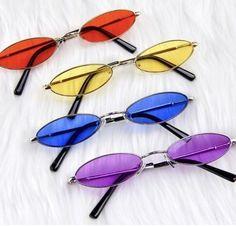 "Sunglasses Are ""Hot! Round Lens Sunglasses, Cute Sunglasses, Sunglasses Women, Sunnies, Prada Sunglasses, Vintage Sunglasses, Fake Glasses, Cool Glasses, Estilo Converse"