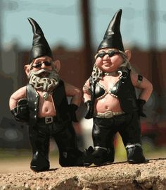 Garden Biker Gnome Couple...THIS. IS. AWESOME! :D @Joni Walker we should get these for Nelda!