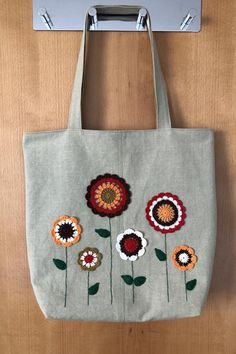 Tods Bag, Pillow Crafts, Summer Tote Bags, Hand Embroidery Art, Crochet Cushions, Crochet Baby Shoes, Floral Bags, Printed Tote Bags, Handmade Bags
