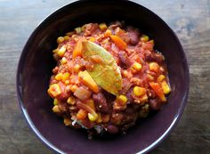 at ease: Chili Sin Carne Chili, Healthy Lifestyle, Vegan Recipes, Vegetables, Food, Chile, Vegane Rezepte, Essen, Vegetable Recipes