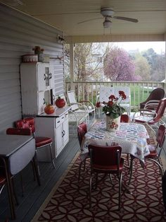 I absolutely love this porch! beautiful summer kitchen for the back porch or screen porch. Back Porches, Decks And Porches, Country Porches, Southern Porches, Screened Porches, Home Porch, House With Porch, Summer Kitchen, Outdoor Rooms