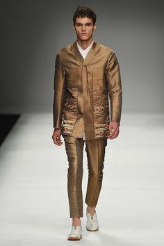 Zeng Fengfei SpringSummer 2016 Collection - Milan Fashion Week - DerriusPierreCom (24)
