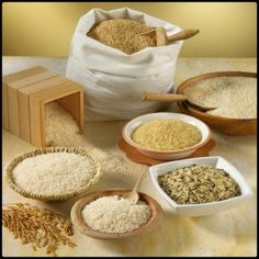 Brown rice is fantastic in Louisiana gumbo and it's healthy too. Paella, Louisiana Gumbo, Rice Types, Grocery Items, Brown Rice, Dog Bowls, Cooking, Healthy, Breakfast