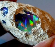 Raw opal