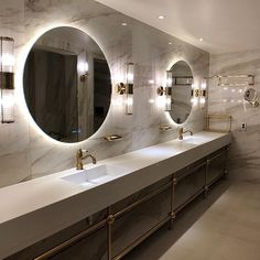 Wow look at the massive mirrors! What do you think? – – – Photo reserved to ow… Wow look at the massive mirrors! What do you think? Beach Bathrooms, Rustic Bathrooms, Ikea Bathroom, Master Bathroom, Elegant Shower Curtains, Cheap Apartment, Bohemian Style Bedrooms, Blue Pictures, Living Room Bedroom