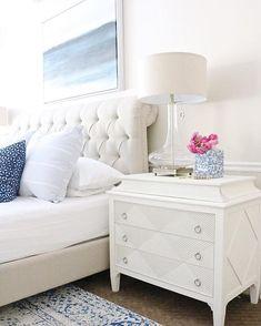 Who else is #daydreaming of our Octavia Upholstered Platform Bed in @designlovesdetail's #masterbedroom!? {link in profile to shop} #bedroominspo #jossfind