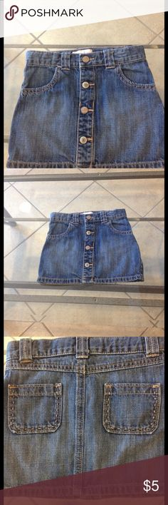 Size 4T Old Navy Jean skirt good conditioning Size 4T Old Navy jean skirt good condition Old Navy Bottoms Skirts