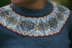 Fairisle yoke I used to live in Shetalnd when I was a girl. we all had at least one of these lovely jumpers each. Knitting Socks, Knitting Stitches, Free Knitting, Knitting Machine, Motif Fair Isle, Fair Isle Pattern, Fair Isle Knitting Patterns, Knit Picks, Pretty Patterns