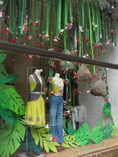 Store front windows, retail windows, store window displays, spring window d Visual Display, Display Design, Store Design, Spring Window Display, Window Display Retail, Boutique Window Displays, Store Displays, Retail Displays, Store Front Windows