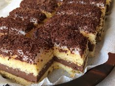 "Kakaós-rumos csoda avagy ""Kati szelet"" | Dorothy's kitchen receptje - Cookpad receptek Hungarian Desserts, International Recipes, Tiramisu, Decoupage, Food Porn, Food And Drink, Sweets, Snacks, Cookies"