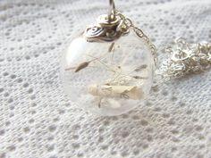 Collar de semillas del diente de León globo de por WishesontheWind, £25.00