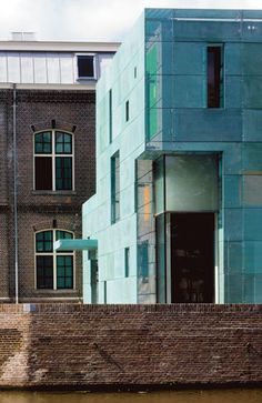 Steven Holl Architects. Amsterdam, The Netherlands. (Local architect: Rappange & Partners)1996 – 2000