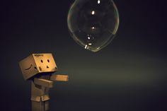 This is the first attempt to capture with Danbo and a soap bubble. Danbo and the Soap Bubble Danbo, Black Art Pictures, Cool Pictures, Dandelion Wallpaper, Cardboard Robot, Box Robot, Beauté Blonde, Amazon Box, Amazon People