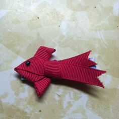 Hair bows for fish themed birthday party.