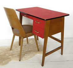 VG407 - 60s desk and chair