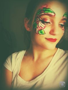 Maddy's mojo Christmas face painting design.