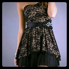 NWOT Black&Tan Lace Semi Formal Strapless Dress NEW WITHOUT TAGS! Only worn once. B Wear black lace dress with tan lining, two layered design. Strapless with zip up back, non-slip bra lining, and fashionable sparkly tie belt B. Wear Dresses Strapless