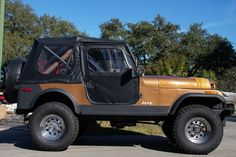 Used 1980 Jeep Renegade Stock # 719397 in League City, TX at Select Jeeps Inc., TX's premier pre-owned luxury car dealership. Come test drive a Jeep today! Jeep Cj7 For Sale, Jeep Cj7 Renegade, Rock Sliders, Luxury Car Dealership, Battle Scars, Jeep Models, Lift Kits, Transfer Case, Driving Test