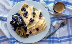 """Mandlové palačinky s kokosovou """"šlehačkou"""", mákem, borůvkami a avokádem se skořicí Destiel, Pancakes, Cooking, Breakfast, Food, Kitchen, Morning Coffee, Essen, Pancake"""