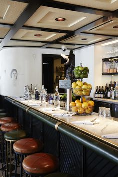 I spy a Lostine 3 Tier Wire Basket! Cafe Bistro, Cafe Bar, Restaurant Lounge, Restaurant Design, Restaurant Interiors, Boutique Bar, Cafe Counter, Architecture Restaurant, Decor Pad