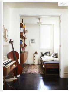 <3 Chello in the corner