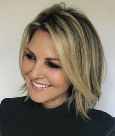 Chic Gray Blunt Haircut - 50 Spectacular Blunt Bob Hairstyles - The Trending Hairstyle Blunt Bob Hairstyles, Trending Hairstyles, Bob Haircuts, Cool Hairstyles, Short Hair With Layers, Smooth Hair, Everyday Hairstyles, Hair Dos, Fine Hair