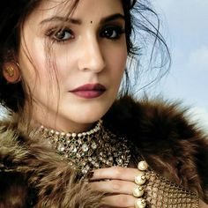 """Anushka looks so hot in her latest photoshoot! Those eyes 🔥 ❤️❤️❤️"" Bollywood Actors, Bollywood Celebrities, Bollywood Fashion, Bollywood Jewelry, Anushka Sharma Virat Kohli, Virat And Anushka, Sabyasachi, Saree, Gold Drop Earrings"