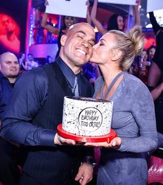 UFC Hall of Famer Tito Ortiz Celebrates Birthday at Drai's Nightclub (Pictured: Amber Nichole Miller and Tito Ortiz – Photo credit: Mike Kirschbaum / Tony Tran Photography).