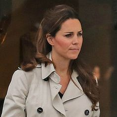 Catherine Duchess of Cambridge, aka Kate Middleton goes antique shopping in Hungerford, England (June 22, 2013), she is carrying her Tod's D-style bag, the rest of her outfit isn't identified.