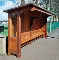 Uppingham wooden bus shelter