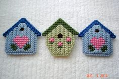 Birdhouse Magnet handmade from Plastic Canvas by LesleesCrafts