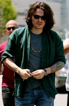 John Mayer - long hair... LOVE IT